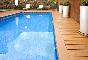Maintain your swimming pool safely