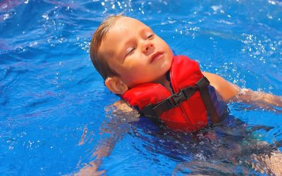 Commercial swimming pool safety tips